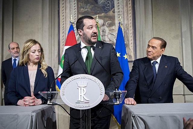 Matteo Salvini, Giorgia Meloni e Silvio Berlusconi. Anche sulla legge elettorale i partiti del centrodestra non hanno un'opinione comune.