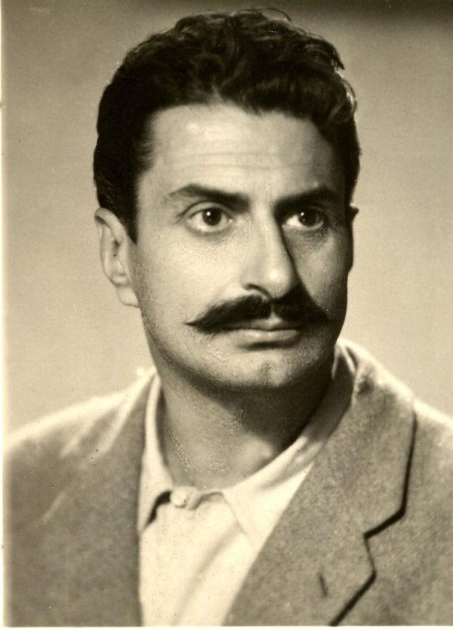 Giovannino Guareschi giovane (Wikimedia Commons).