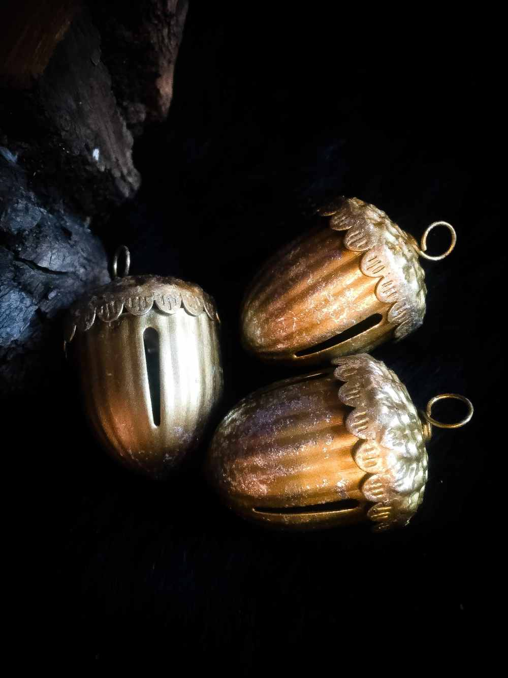 Acorn Bell