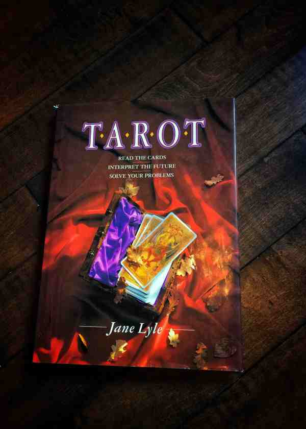 Tarot: read the Cards