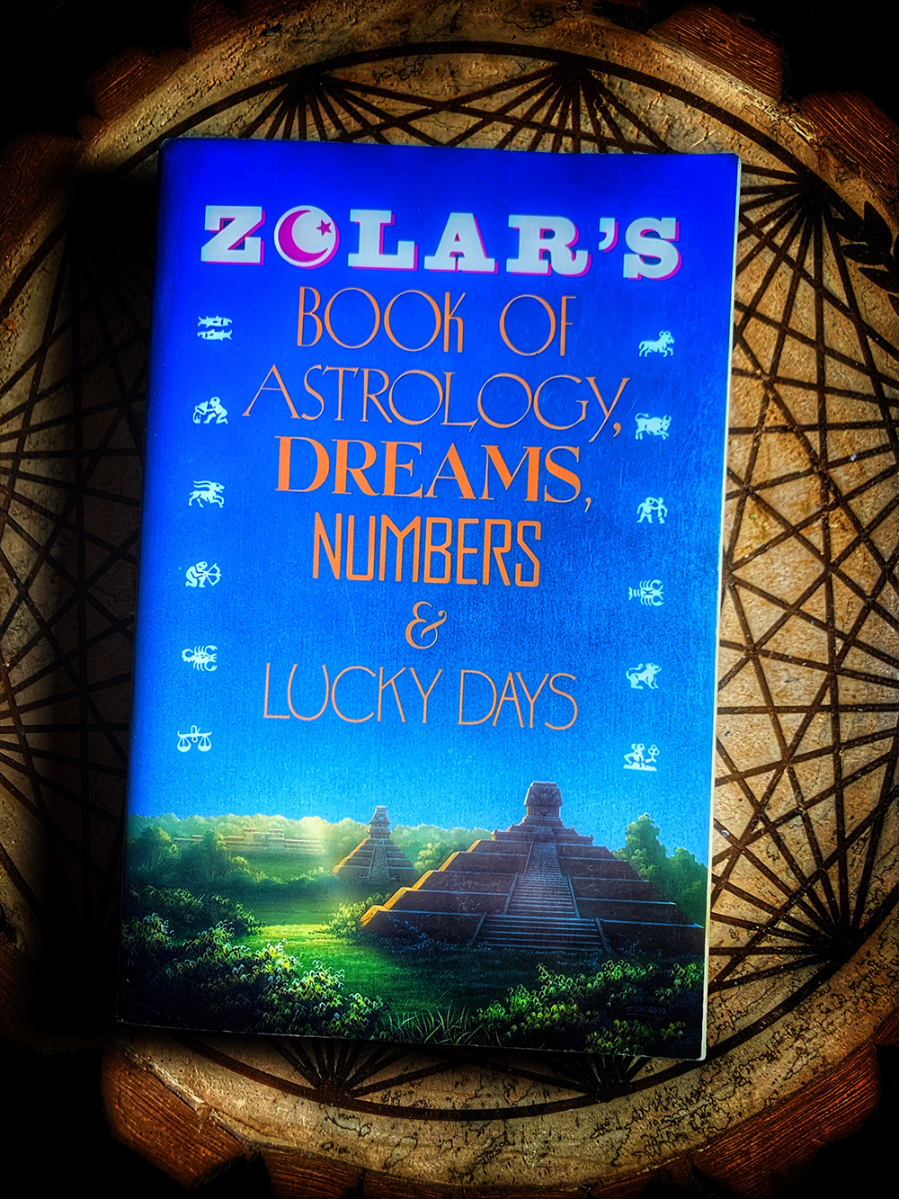 Zolar's Book of Dreams, Numbers, & Lucky Days