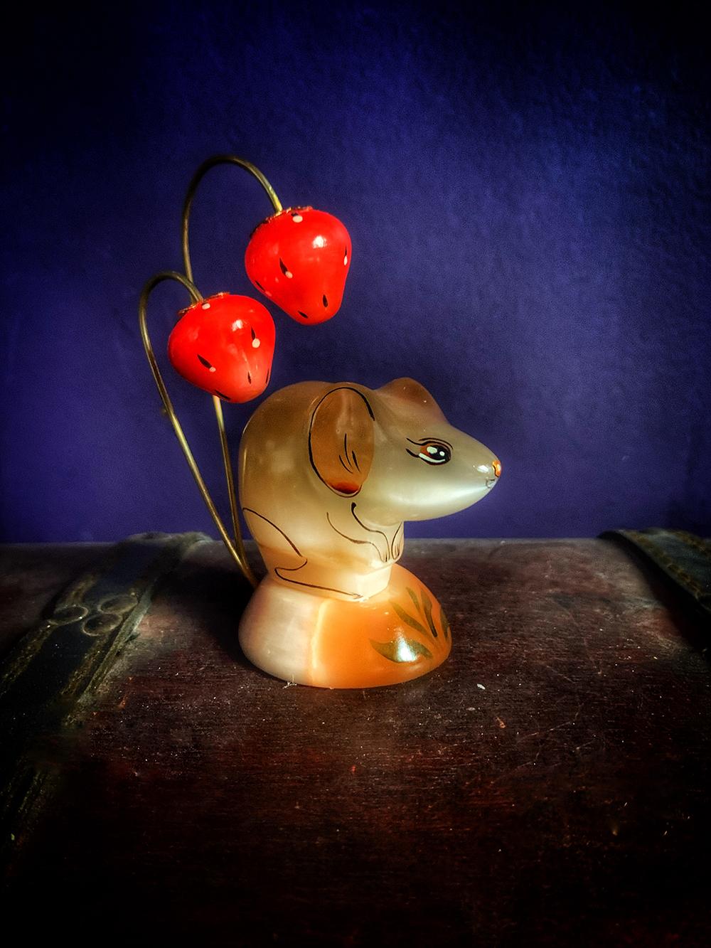 Russian Selenite Strawberry Mouse