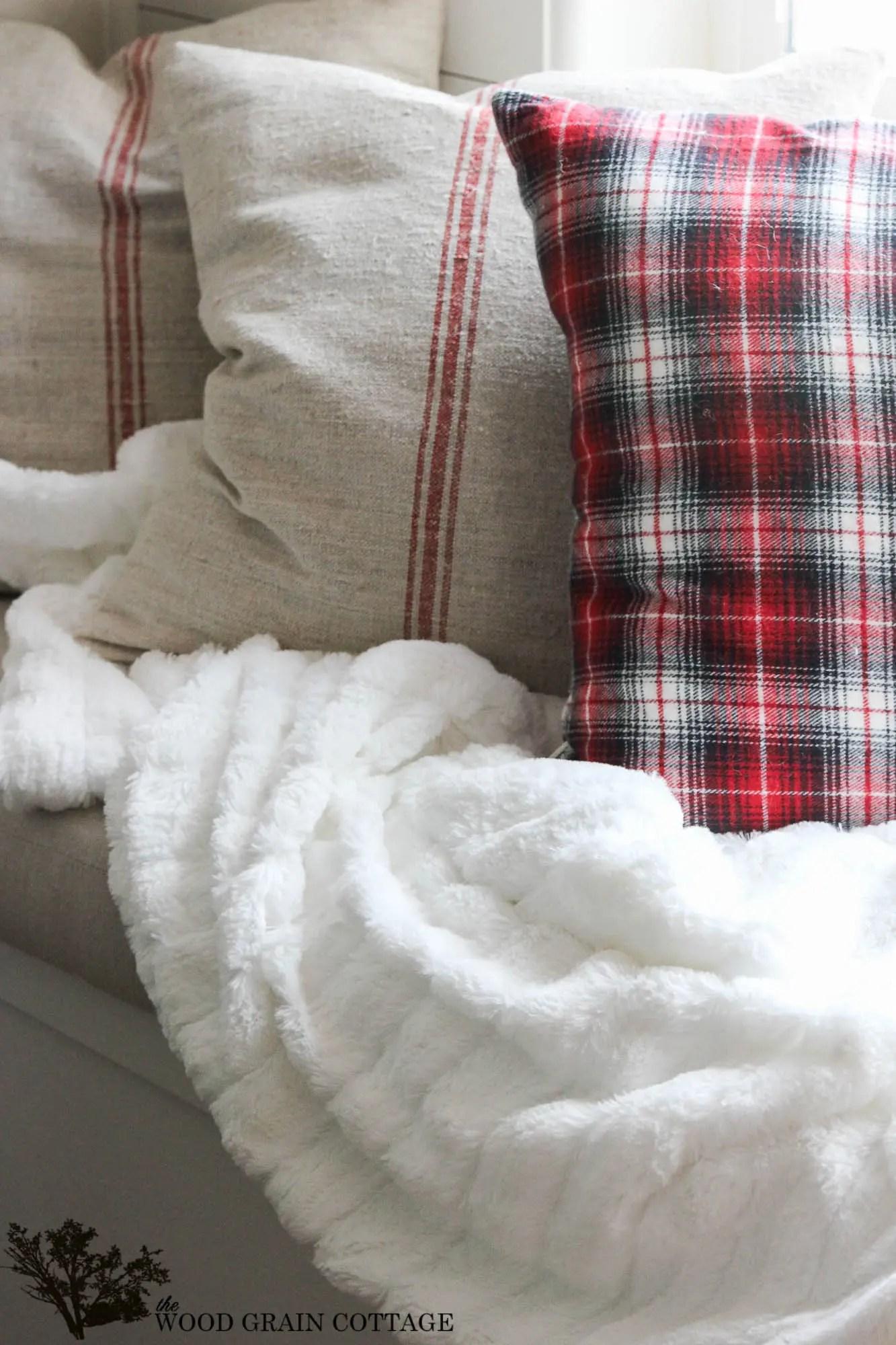 DIY White Fluffy Blanket The Wood Grain Cottage
