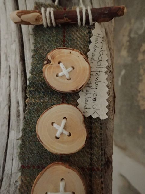 Natural Pear wood buttons