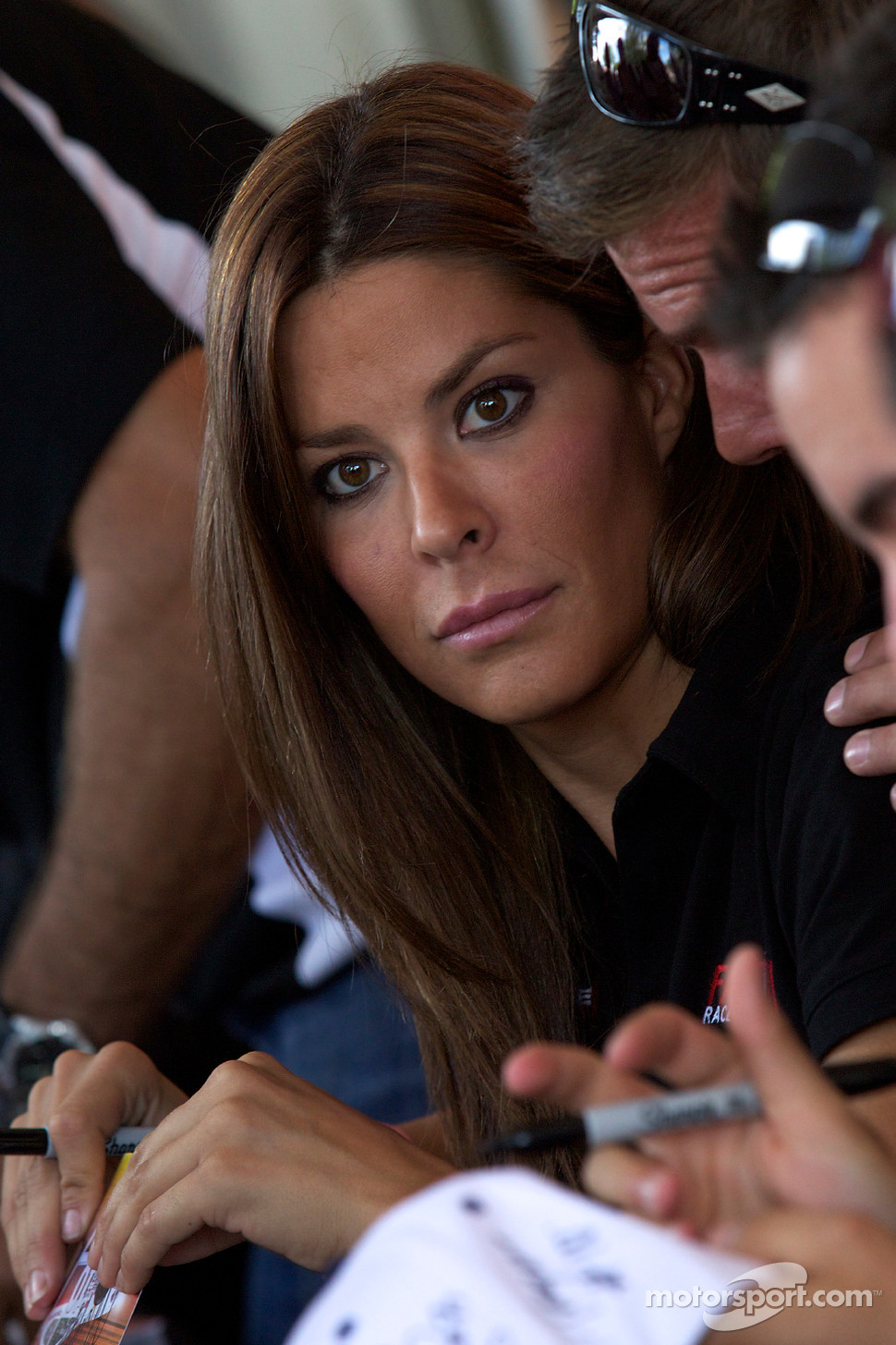 Maryeve Dufault – Who doesn't love a hottie that can drive ...