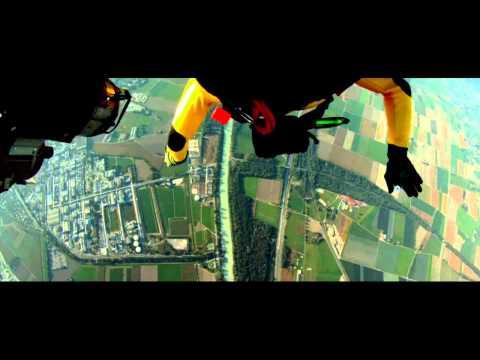 Breitling – Jetman versus Jet team