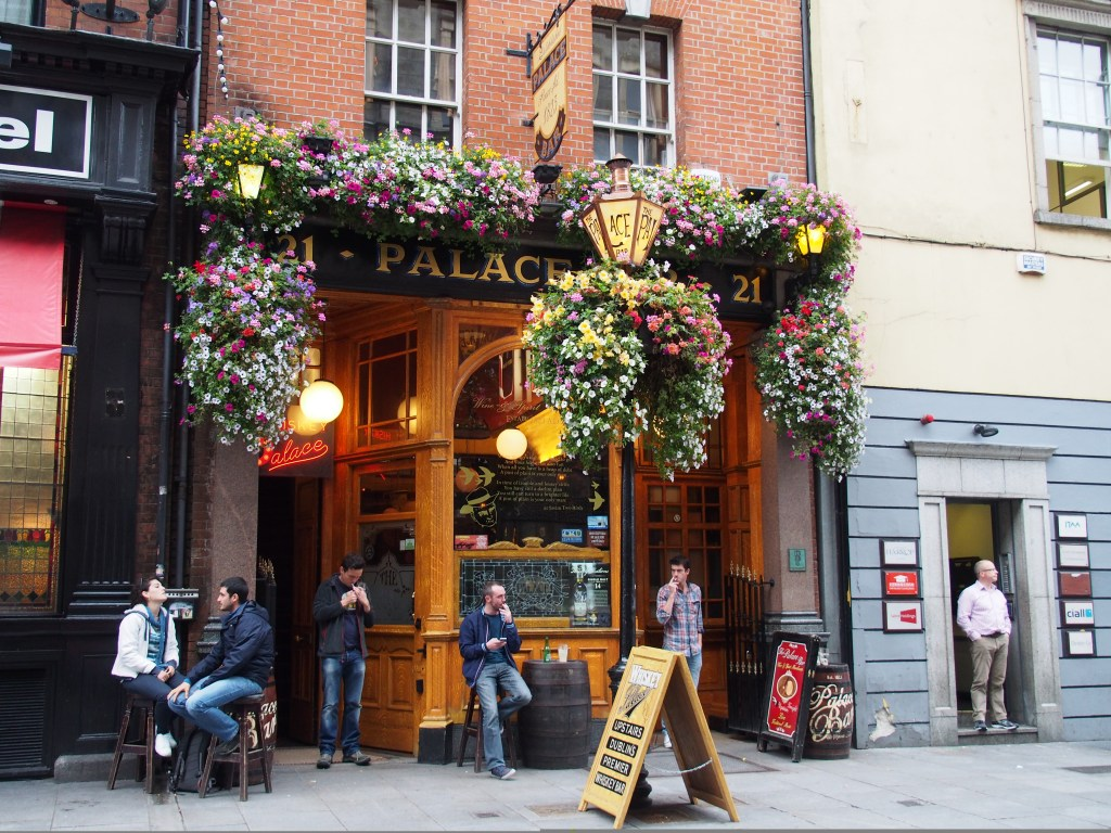 Dublin Pub | Enjoying the music of Ireland