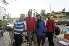 Begegnung mit Mayahr (rechts) in Rudsar - wir bleiben in Kontakt