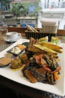 Veganes Essen bei Jalus in Hanoi