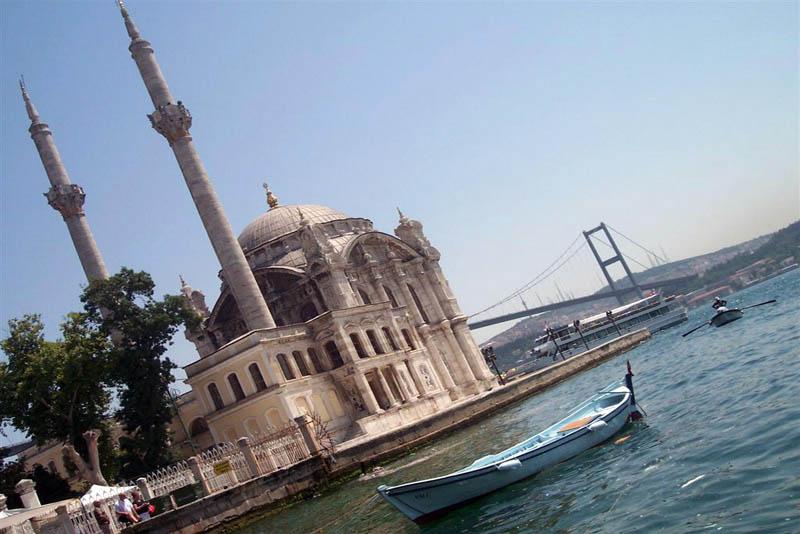 Explorando la zona de Ortakoy en Estambul Explorando la zona de Ortakoy en Estambul estambul
