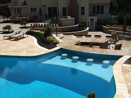 15 Awesome Pool Bar Design Ideas on Backyard Pool Bar Designs  id=95092