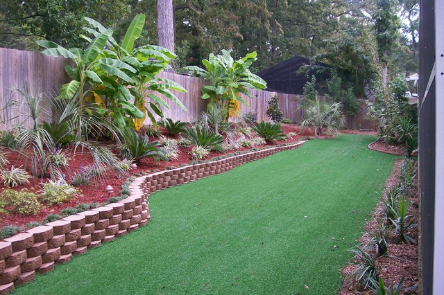 20 Awesome Landscaping Ideas For Your Backyard on Tropical Small Backyard Ideas id=26999