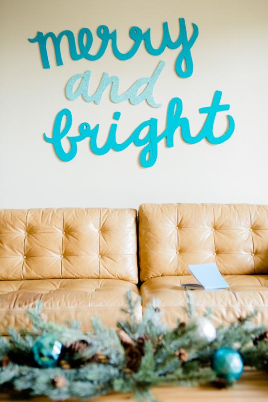 30 Amazing Wall Christmas Decoration Ideas