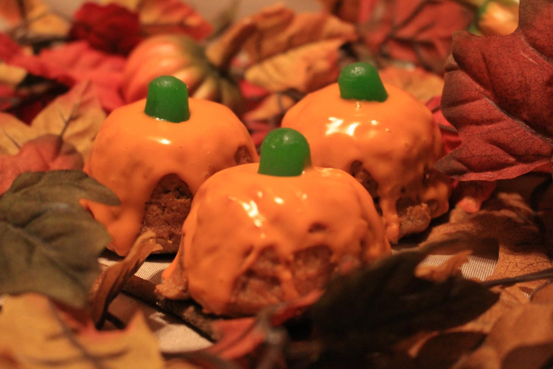 Moist Pumpkin Cupcakes with a memorizing glaze.