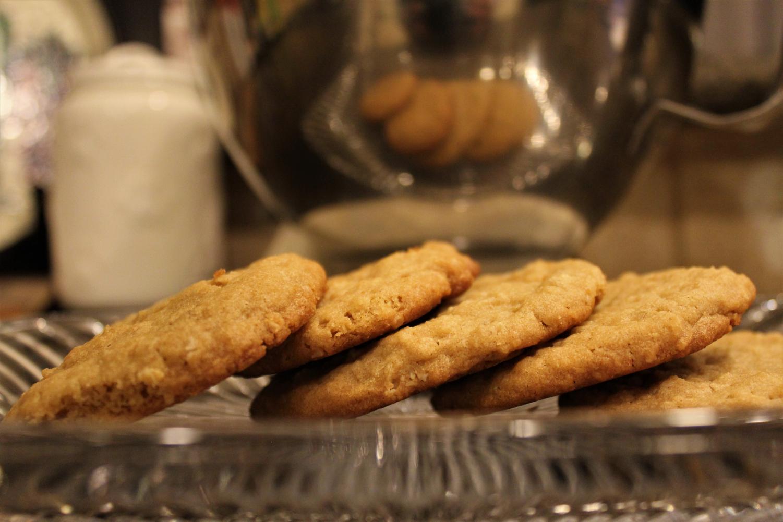Sweet & salty oatmeal peanut butter cookies!