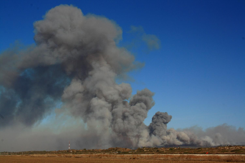 https://commons.wikimedia.org/wiki/File:Carmel_Fire_Smoke_Habonim_031210.jpg