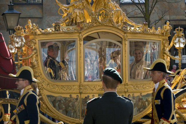 Queen Beatrix in the Golden Carriage built by the Spijker brothers (unfortunately only 8 horsepower)