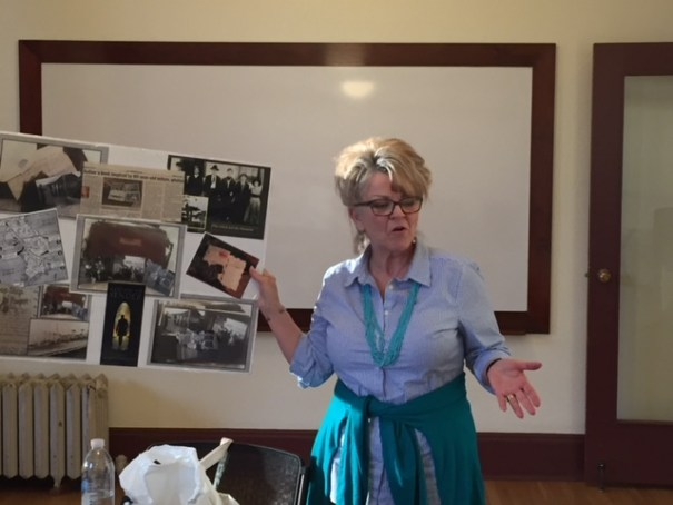Mindy Halleck speaks to Seattle writing classes of The Writer's Workshop.