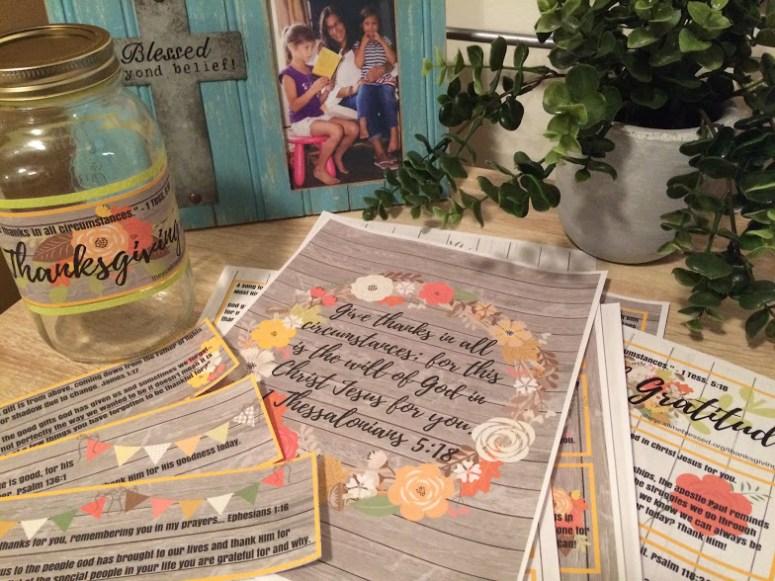 Thanksgiving Jar - 30 Days of Gratitude - Thanksgiving Resources - Free Thanksgiving - Teaching Kids Gratitude