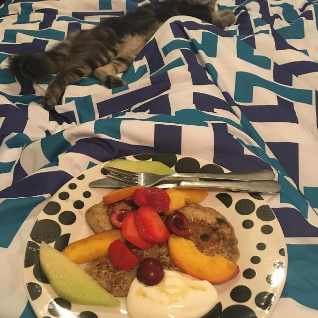 Breakfast in bed Happy Sunday to you all! healthybreakfast healthyeatinghellip