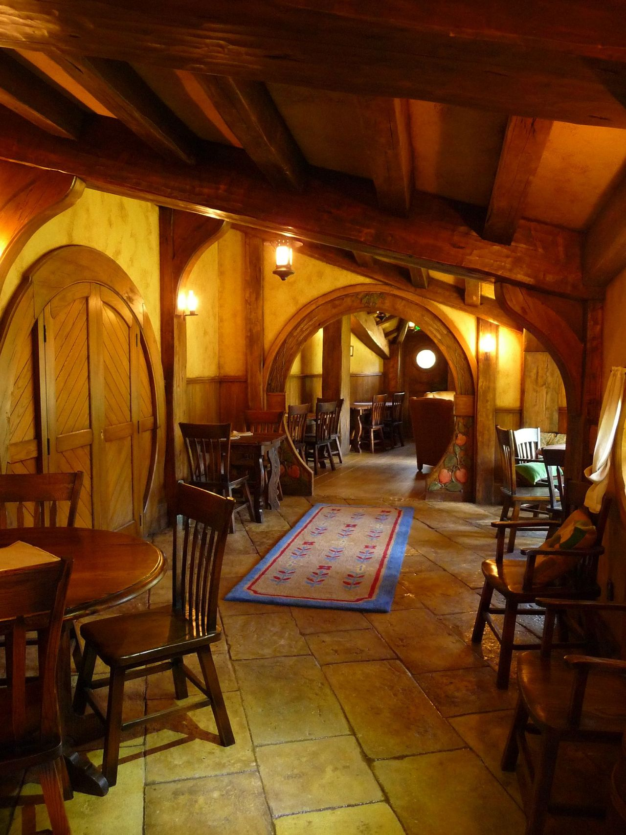 hobbit house pictures the hobbit set photos. Black Bedroom Furniture Sets. Home Design Ideas