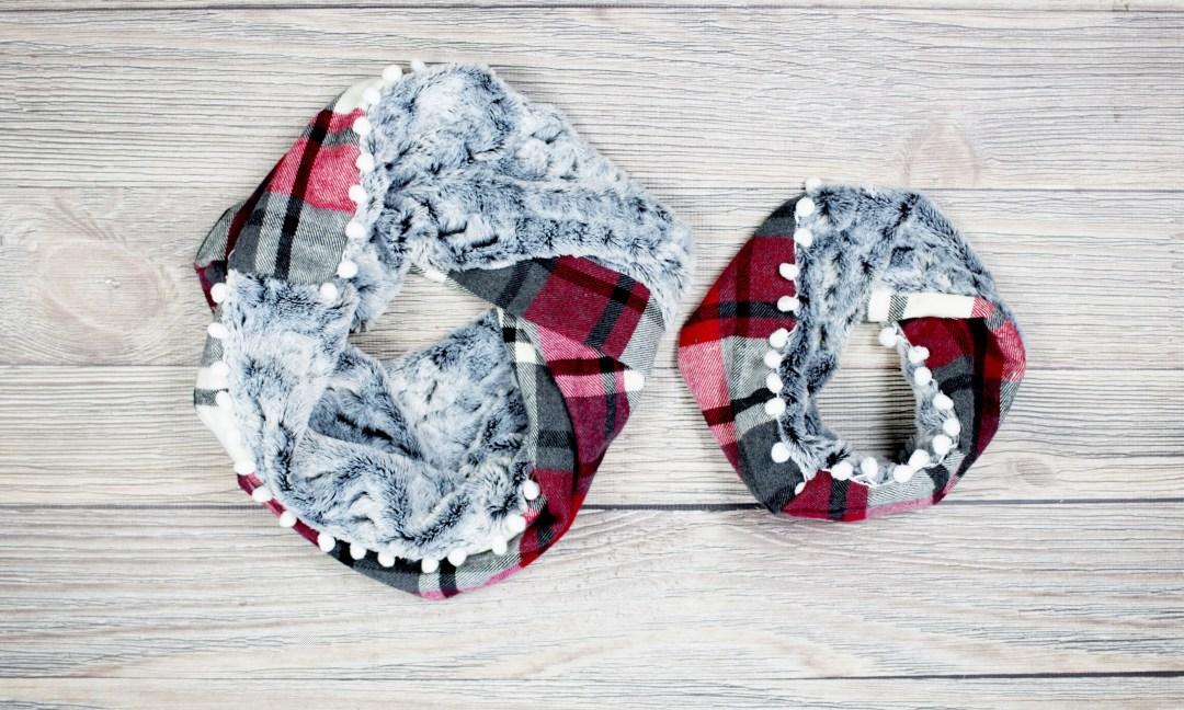 Cozy infinity scarf tutorial. DIY Mommy & me Christmas scarves