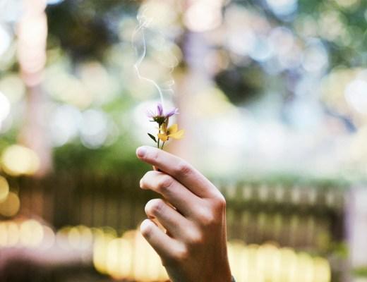 Ritual Verbrennen von negativen Gedanken Thoughtful Thursday Mindful Achtsamkeit Positives Denken