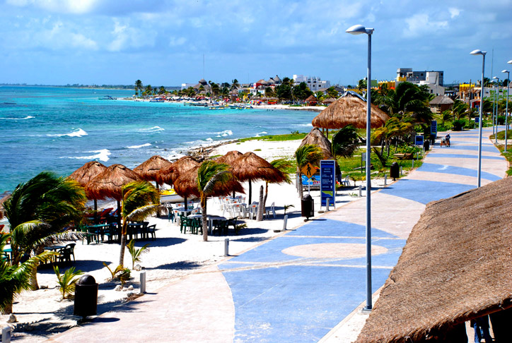 Mahahual Boardwalk (Photo: mexicorelax.com)