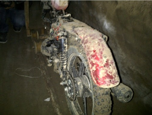 "Motorcycle was used to dig tunnel and to move ""El Chapo"" (Photo: Animal Politico)"