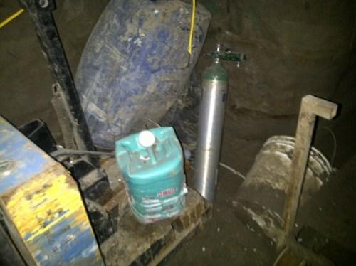 Oxygen tank inside tunnel (Photo: Animal Politico)
