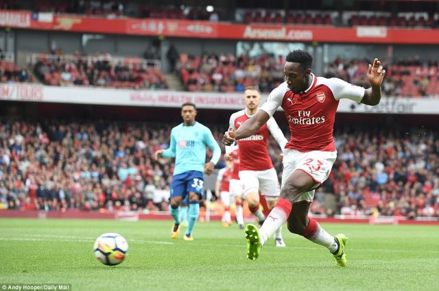 Welbeck injury could force Arsenal into January spending