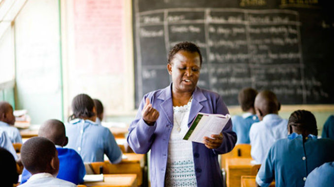 Zimbabwean Teachers Refuse to Return to Work