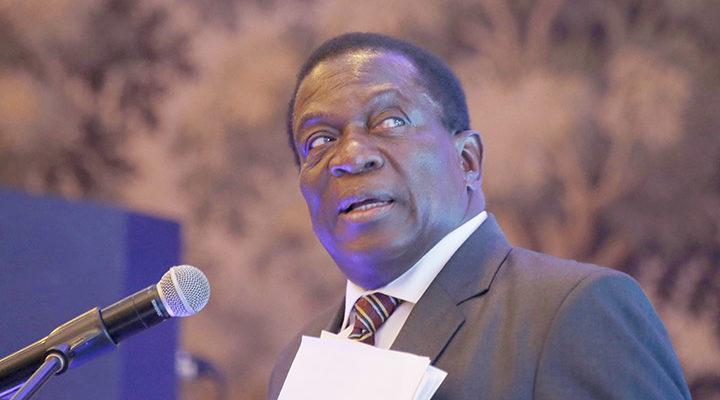 Mugabe 'flies to SA' amid mounting tensions in Zimbabwe