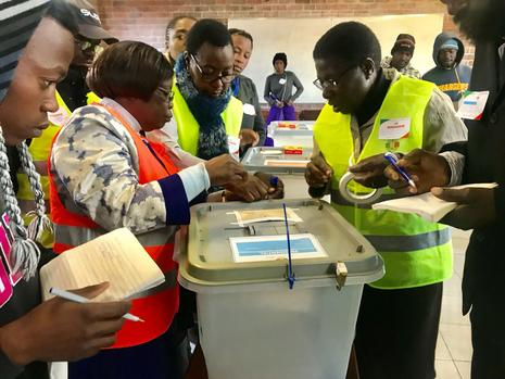 Zimbabweans vote in first election since Mugabe's removal