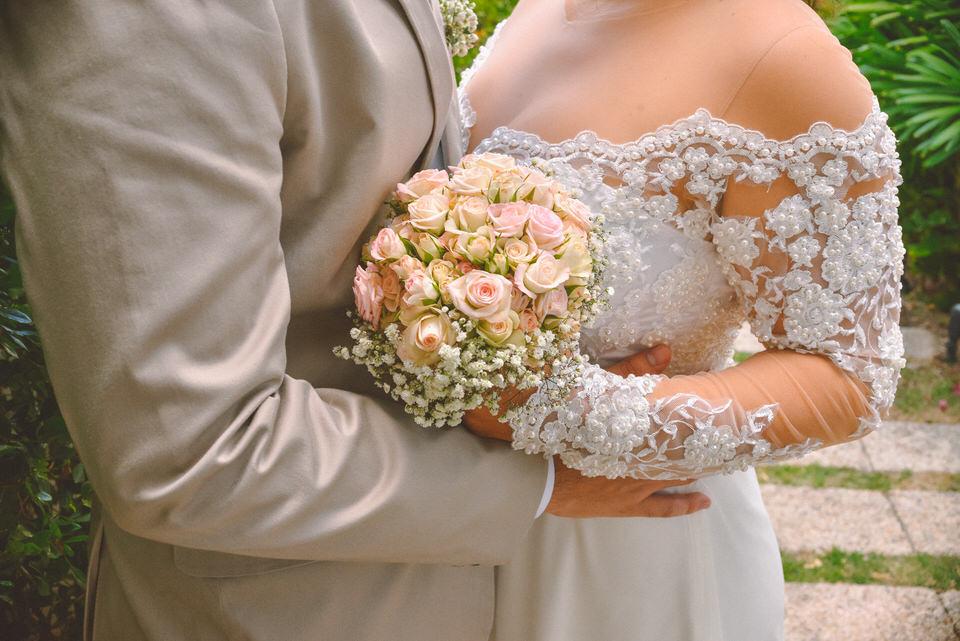 mini-wedding-thais-e-leandro-em-casa-de-moa-11