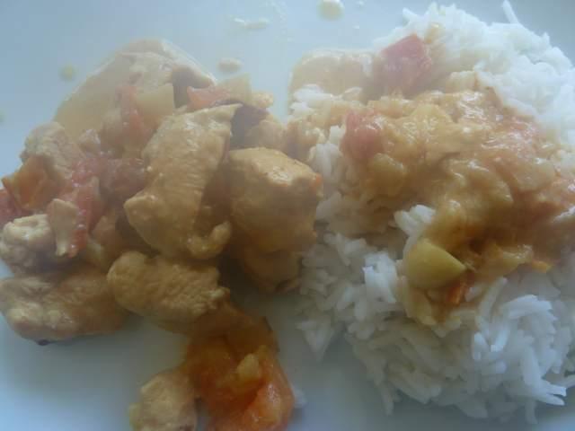 Poulet au curry avec du riz