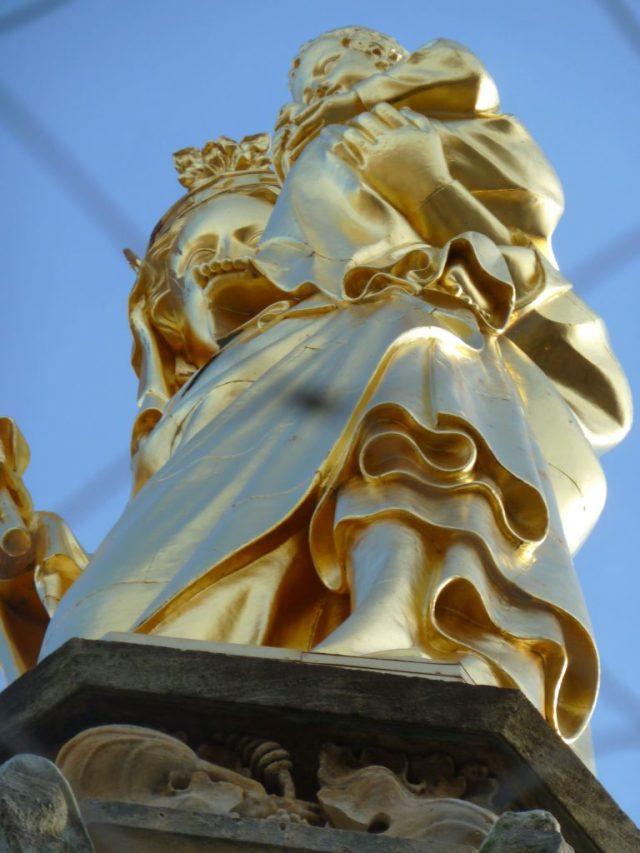 Statue sur la tour Pey Berland à Bordeaux