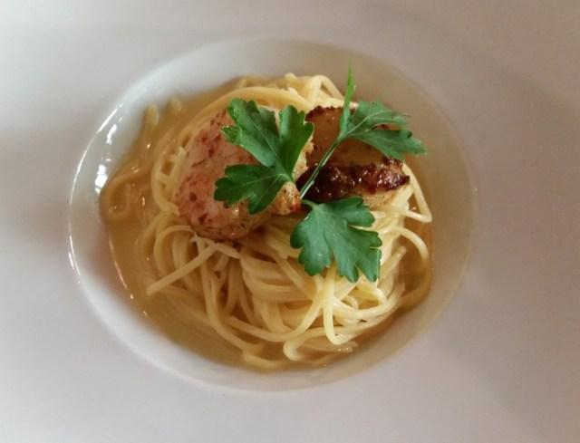 Spaghetti and scallops at Il Faro