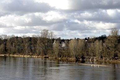 The river outside Château de Chenonceau