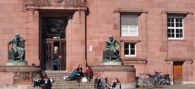 Studiengebühren: Politisch tot oder doch wieder salonfähig?