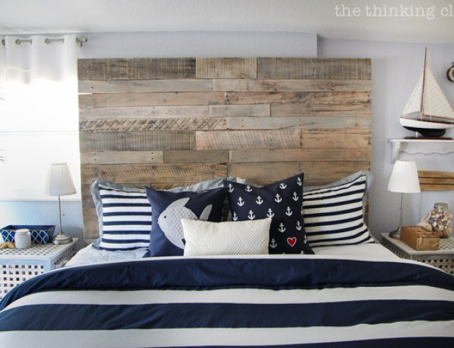 pallet headboard - The Thinking Closet