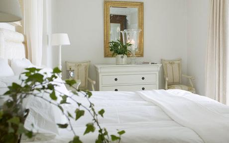 One of the guest rooms at Townhouse Marbella