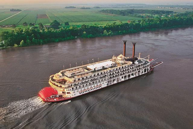 The Mississippi River is one of the world's major river systems in size