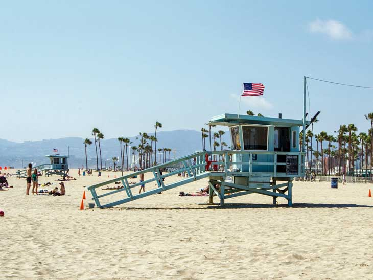 Los Angeles life guard tower.