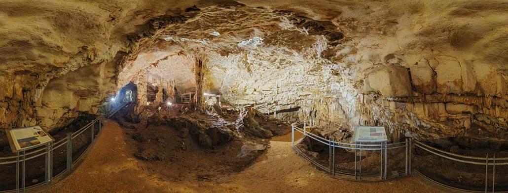 grotta di curtomartino ad acquattai delle fonti civiltà rupestre puglia e basilicata