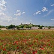 tour virtuale di monteriggioni campo papaveri rossi