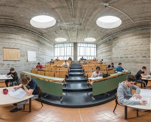 aula di chimica dell'ITIS Fermi a Lucca