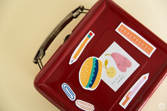Back-to-School magnets on lunchbox | thinkmakeshareblog.com
