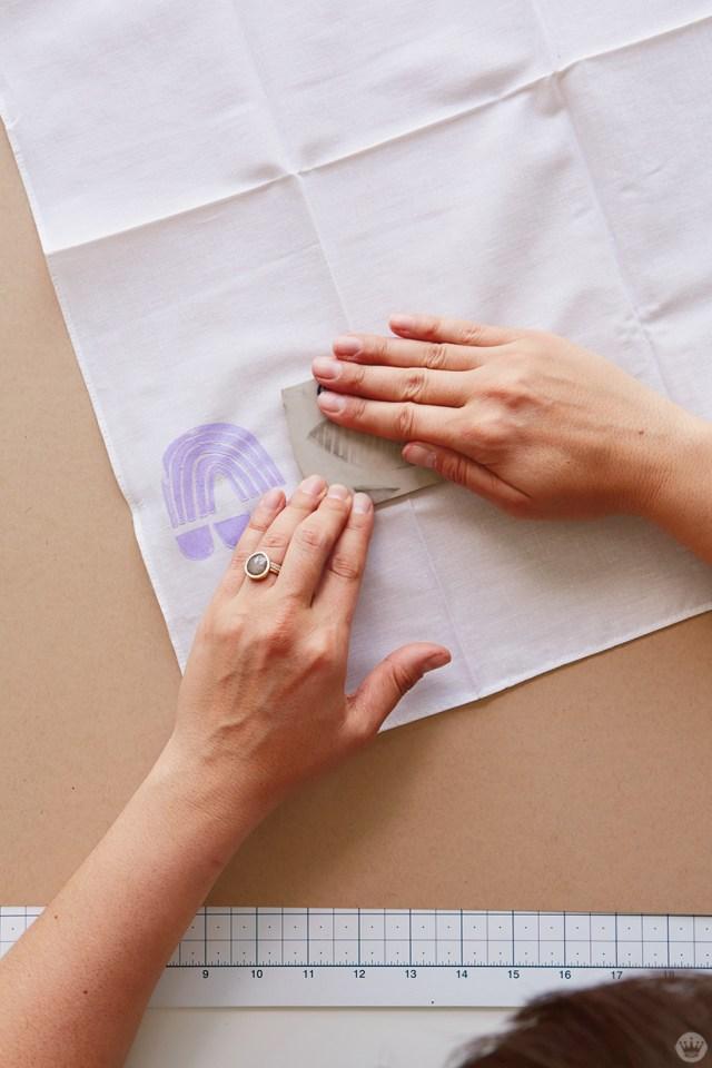 Cadeaux imprimés: tamponner un bandana