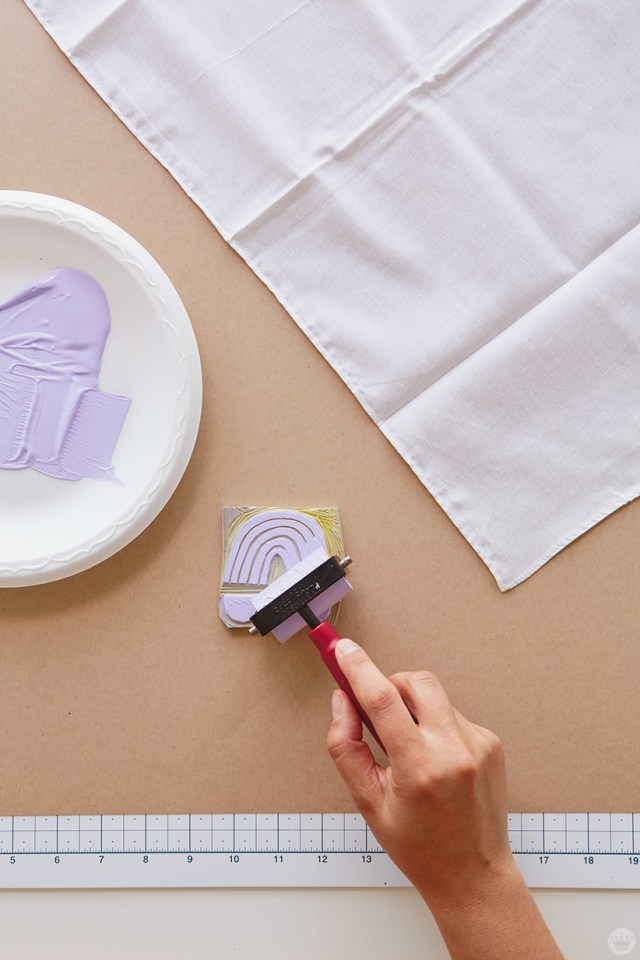 Block print gifts: Adding paint to a DIY rubber stamp